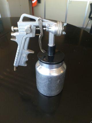 Pistola de pintura con compresor. Usada