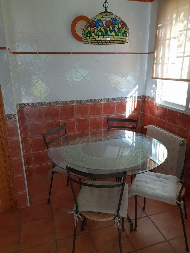 Mesa y sillas para cocina de segunda mano por 175 € en Moncada en ...