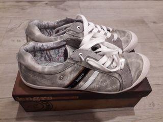 Zapatillas casual marca Kangaroo talla 41