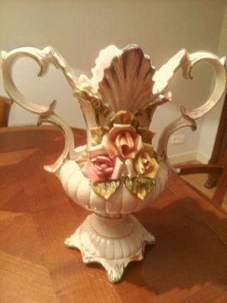 Jarrón vintage de porcelana