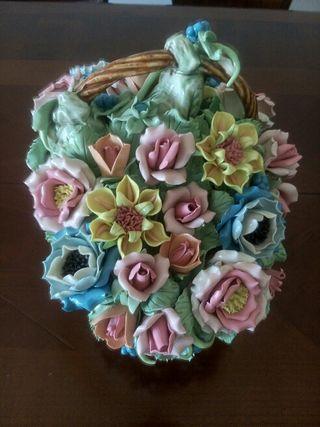 Cesta flores porcelana