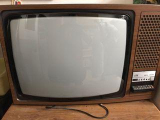 TV marca ITT. Mando a distancia