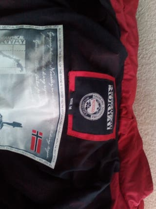 Magnífica Chaqueta Geographical Norway.