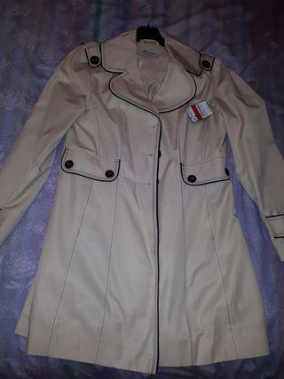 Se vende chaqueta estilo abrigo