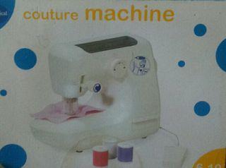 Mquina de coser de juguete