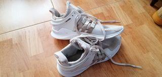 Zapatillas Adidas EQT blancas. Talla 44-45