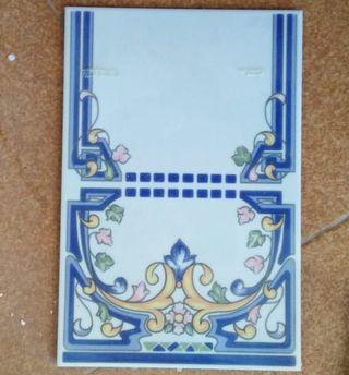 75 azulejos con motivos florales