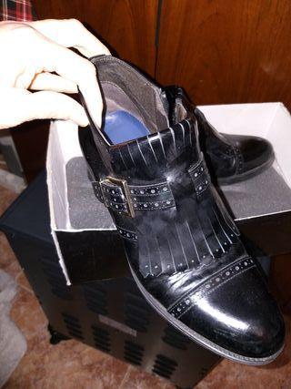 zapato botin de la firma Luis Gonzalo