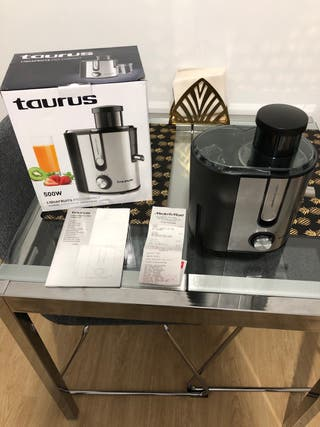 Licuadora Extractor de Jugos Taurus Nueva