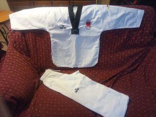 dobok taekwondo+espinilleras diferentes tallas