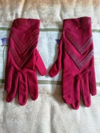 guantes rojos