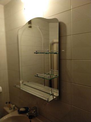 Espejo de baño con baldas
