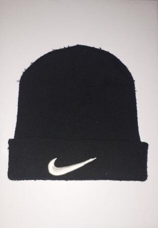 Gorra Nike negra de segunda mano en Madrid en WALLAPOP 0da104e04f8