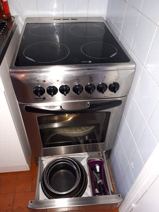 cuisinière vitrocéramique - inox