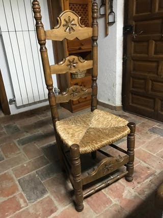10 sillas de madera maciza y anea