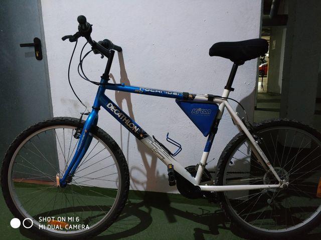 b0624f8820c Bicicleta Rochrider, Decathlon, funda gel y bolsa de segunda mano ...