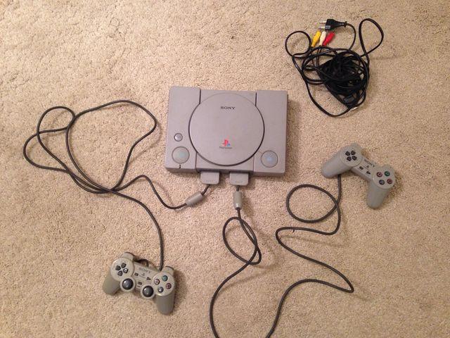 PlayStation 1 + dos mandos