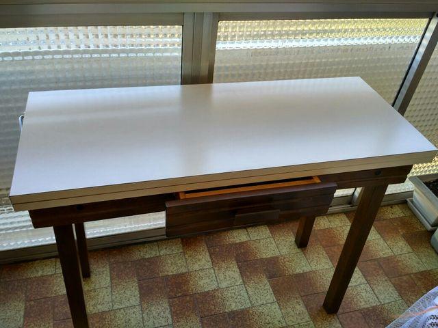 Mesa de cocina mas dos sillas de segunda mano por 40 € en ...