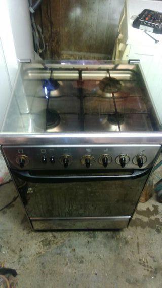 Cocina con horno butano de segunda mano en wallapop for Cocinas de gas butano segunda mano