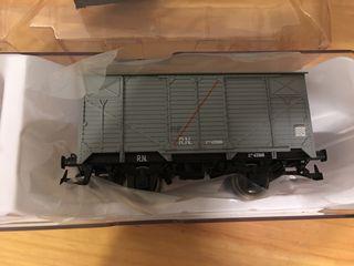 Vagón cerrado electrotren
