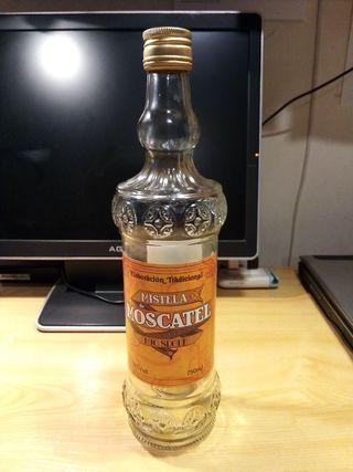 Botella de Mistela para decoración