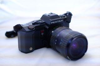 Pentax Reflex con motor, zoom Pentax de 28 80 mm.