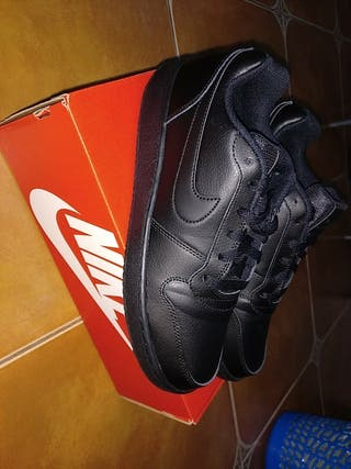 NIKE EBERNON LOW 43' / BLACK NOIR