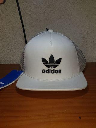 gorra blanca adidas