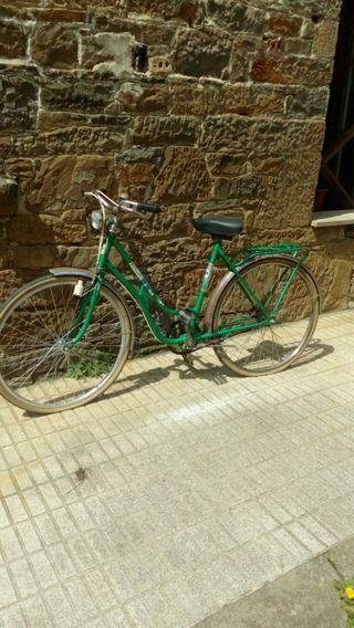 bicicleta BH de paseo antigua.