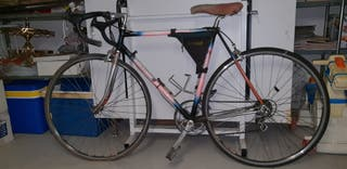 Bicicleta de carretera antigua - DENTI