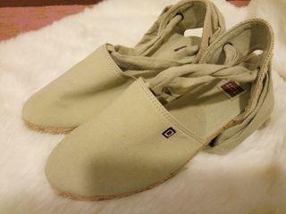 Zapatos de loneta
