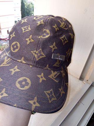 Gorra Louis Vuitton de segunda mano en WALLAPOP 7c112f41b2b