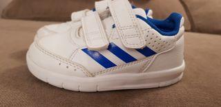 Zapatillas Adidas número 23 de segunda mano por 5 € en