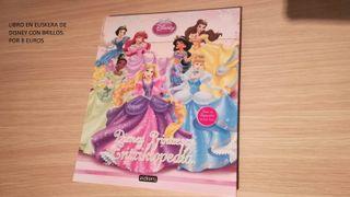 Diferentes libros, de Disney en Euskera y Castella