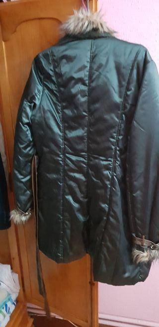 vendo chaqueta larga xxl color verde con pelos