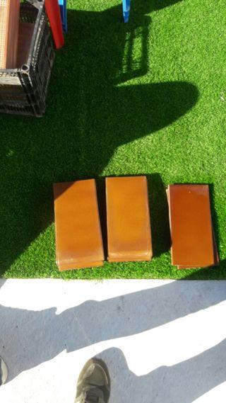 9 azulejos con Gotas y 2 sin gota marron chocolat