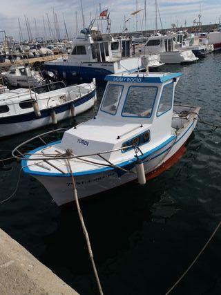 se vende barco de fibra