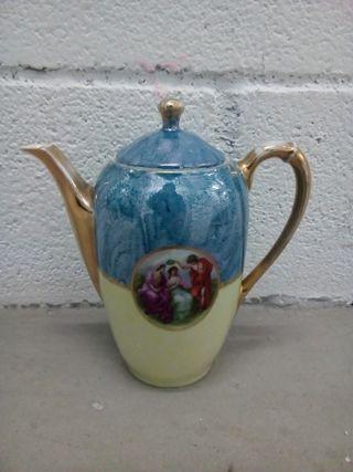 cafetera de porcelana Antigua