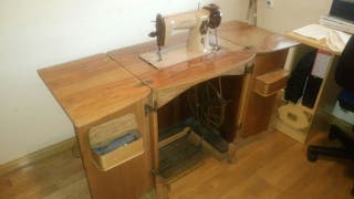 maquina de coser Singer años 60