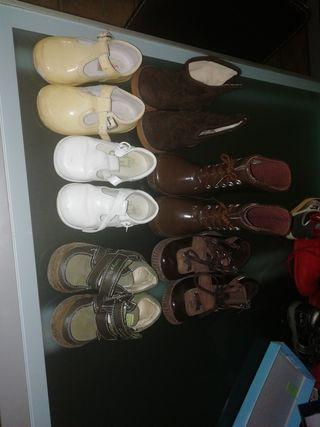 pack de zapatitos y botas de niño