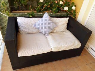 sofa de dos plazas terraza jardin