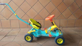 Cochecito pedales. Nuevo