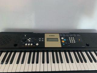 Piano Yamaha YPT-220