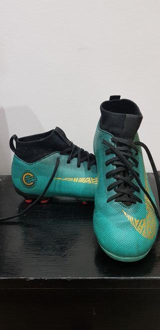 Botas de fútbol Nike N. 35