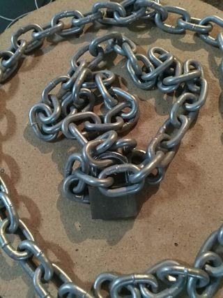 2 cadenas gruesas de 1.30 metros cada una