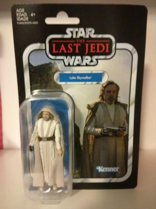 Star Wars figura Luke maestro Jedi.
