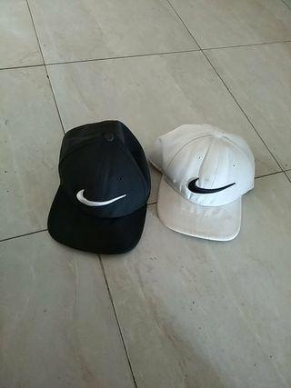 pareja gorras nike