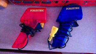 2 Mandos Scalextric color