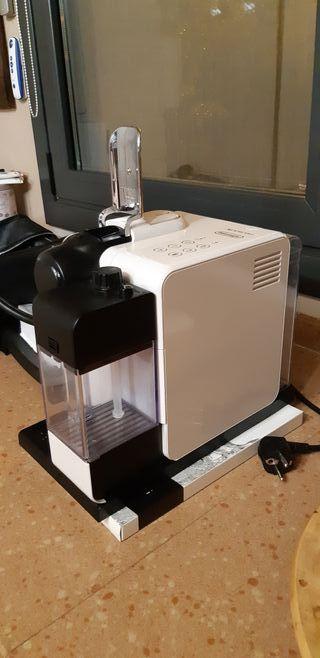 Nespresso De'Longhi
