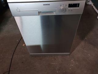 Lavavajillas Siemens de inox de 60x60 muy nuevo